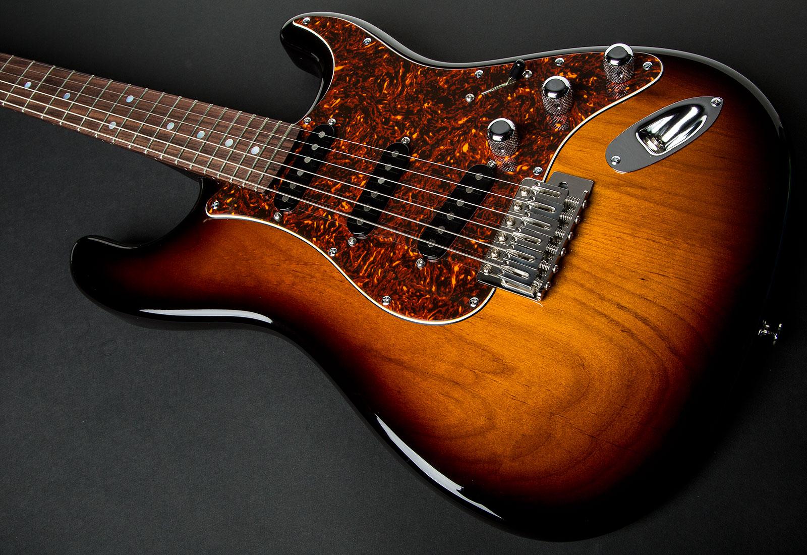 Chris Rock Guitars – Chris Camp...
